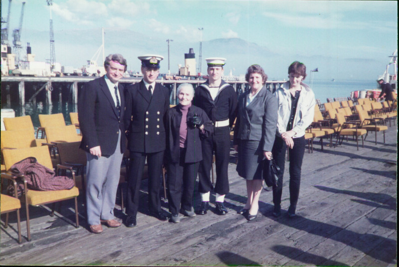 John Elley, Tim Elley, Charlotte Thomson, Mark Elley, Dove Elley, ?