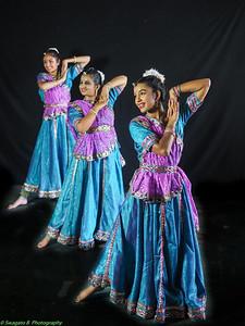 vrindavan_dancers-73