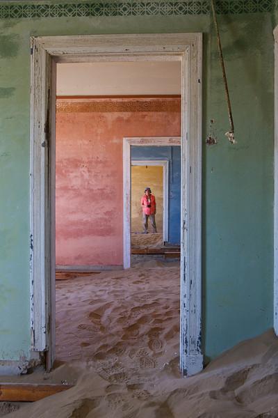 abandoned diamond town of Kolmanskop 2014-03-14 at 09-22-06