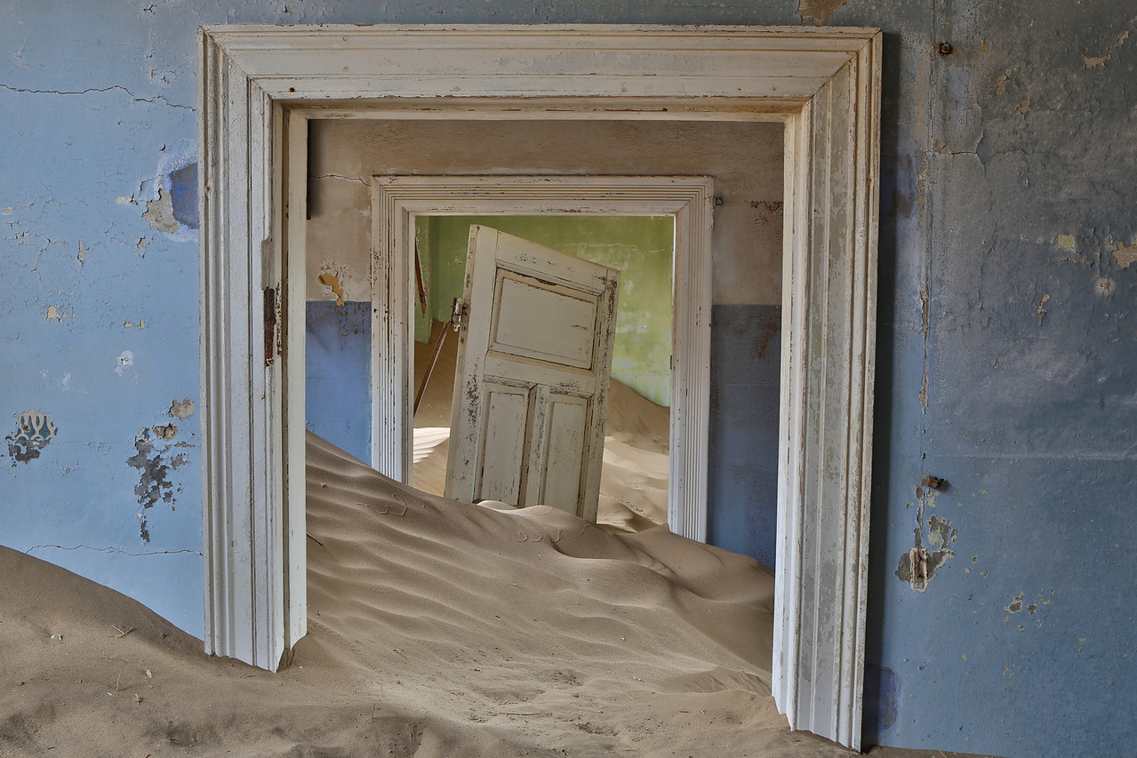 abandoned diamond town of Kolmanskop 2014-03-15 at 09-03-49