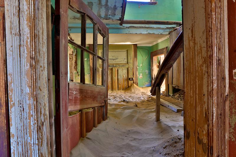 abandoned diamond town of Kolmanskop 2014-03-15 at 13-54-15