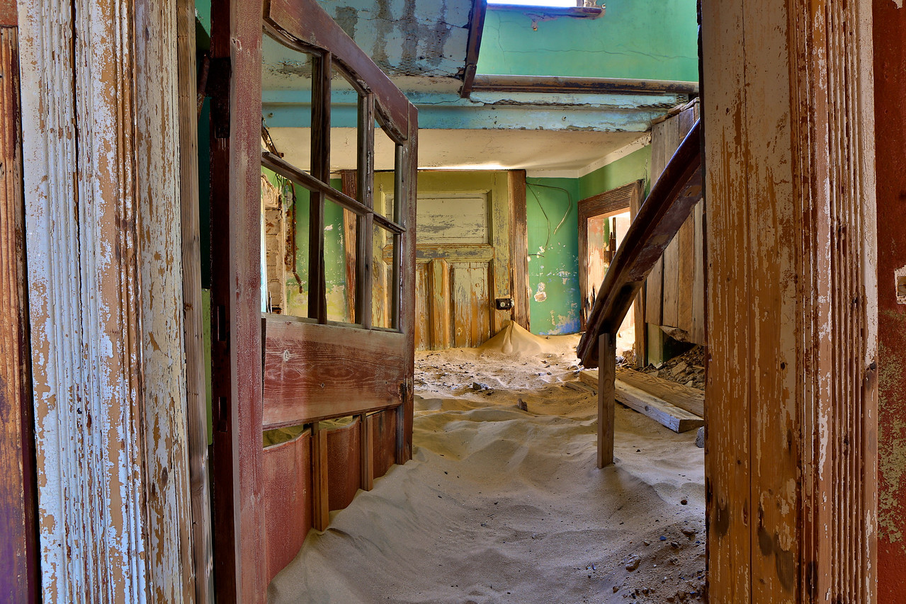 abandoned diamond town of Kolmanskop 2014-03-15 at 13-54-15
