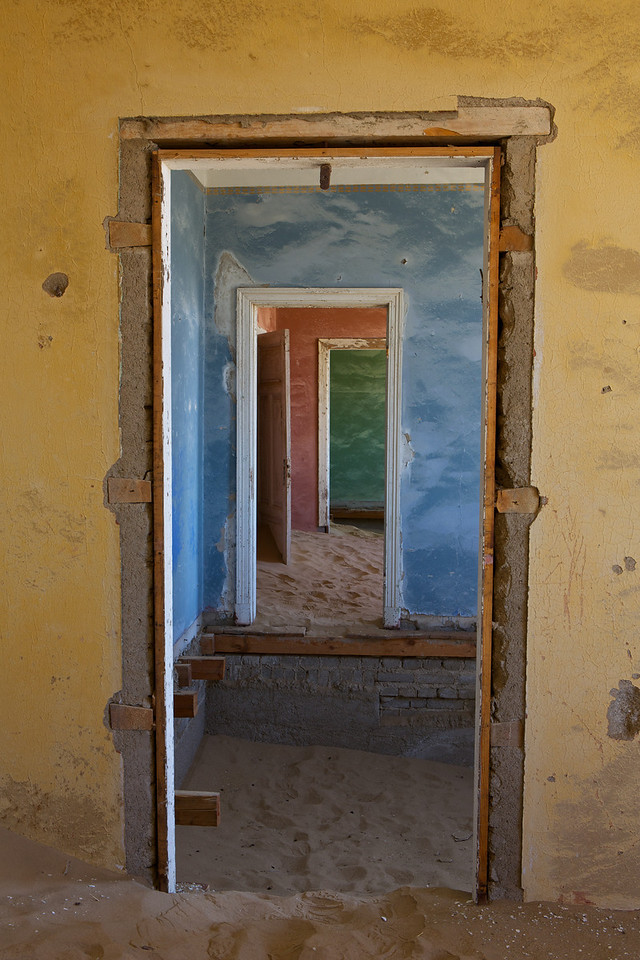 abandoned diamond town of Kolmanskop 2014-03-14 at 09-12-54