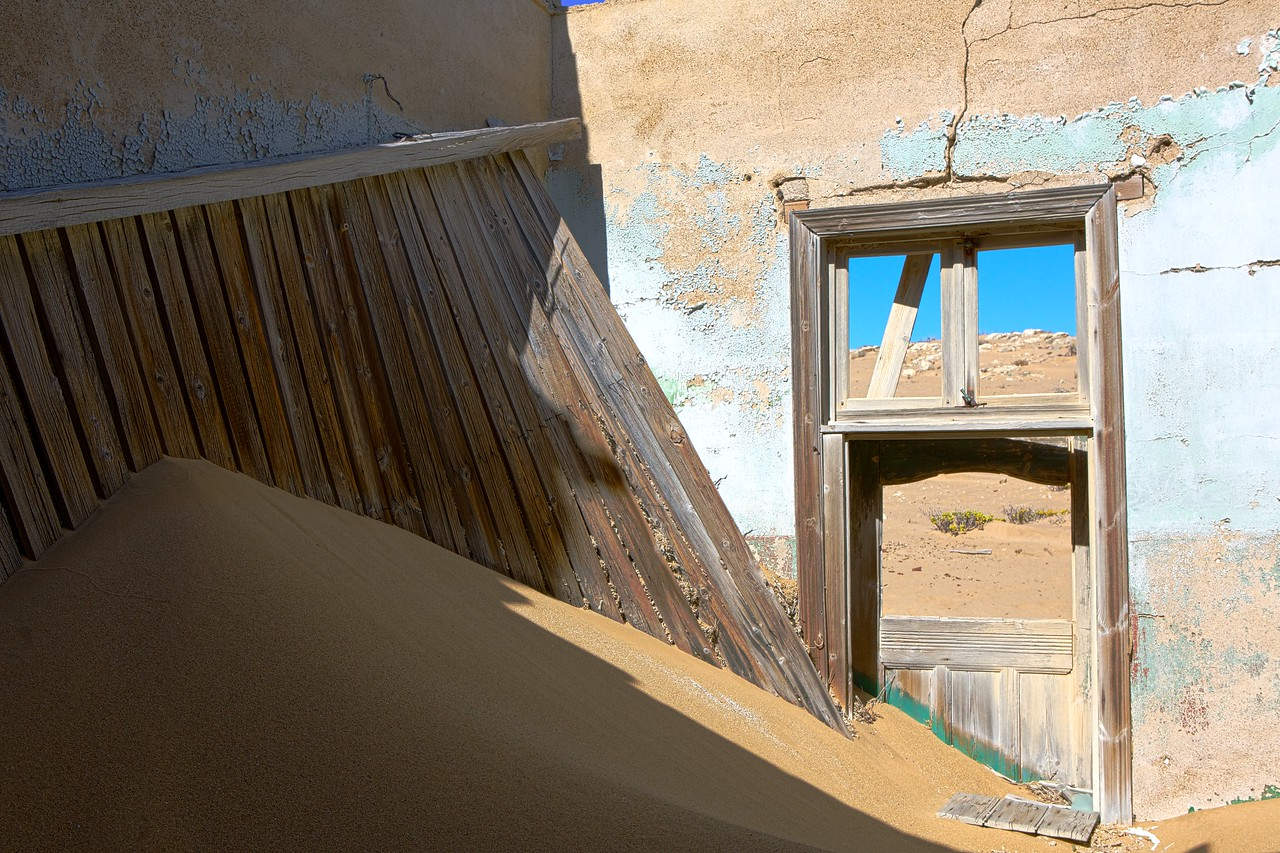 abandoned diamond town of Kolmanskop 2014-03-14 at 08-06-58