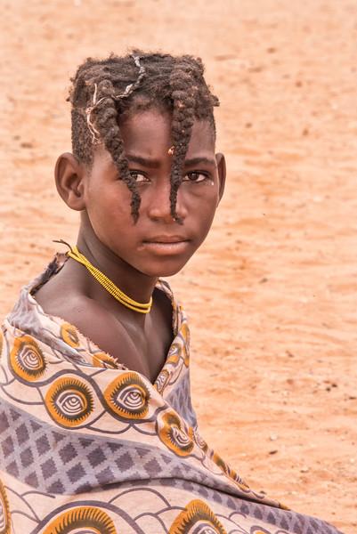 Himba_girl_in_blanket_NBA_8367