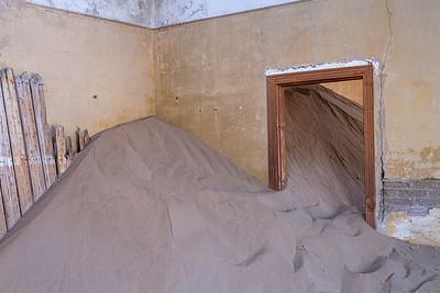 namibia, tsau //khaeb (sperrgebiet) np, kolmanskop, diamond mine, ghost town, architecture, sand dunes, doorways, doors, black & white