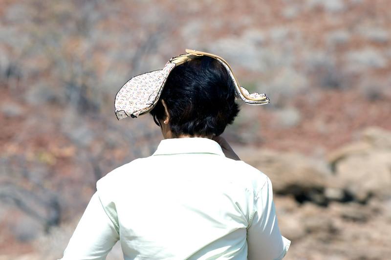 Hat_lady2