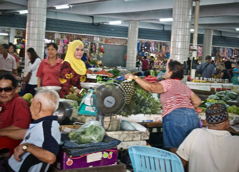 market in Borneo