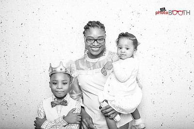 Photo by Dele Oyedepo (www.d2tography.com)