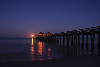 Moonset at 4am- Naples Pier