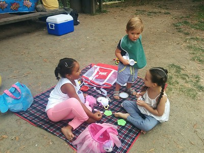 Tea party with Edie and Kate