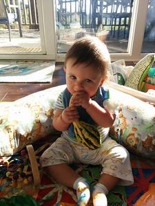 This child really loves gordes