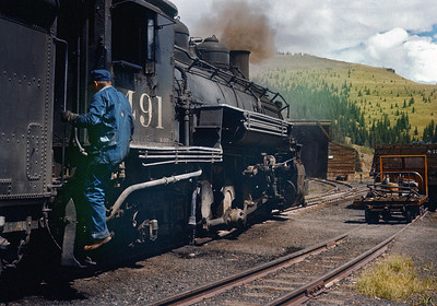September 1960.  Cumbres.  Another faded Ektachrome brought back to life by Photoshop.