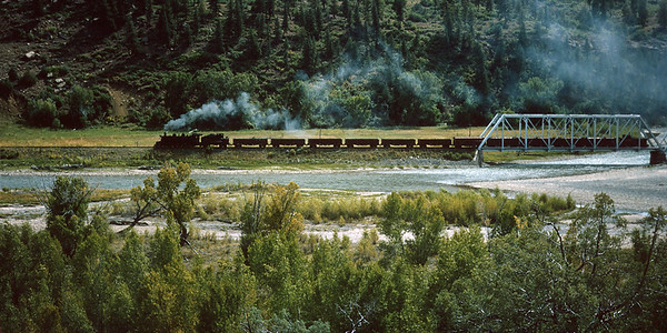 September 15, 1965.  A short eastbound crosses the San Juan River just east of Gato.  This bridge is still there fifty years later.
