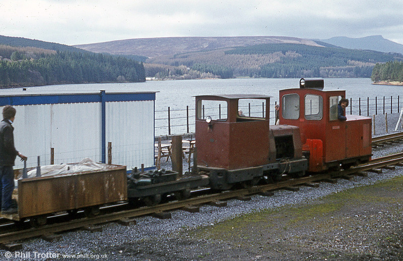 Motor Rail 4wDM no. 11177/1961 'Rhydychen' on a works train at Pontsticill.