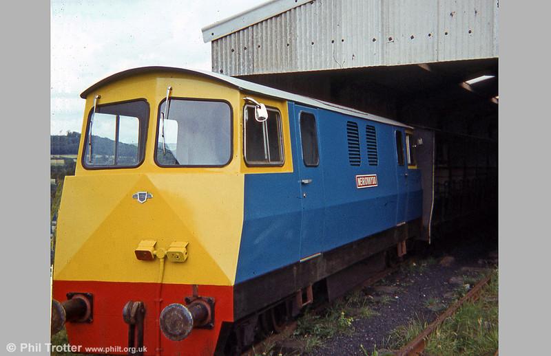 Bala Lake Railway's Western-inspired 4w-4wDH Severn Lamb no. 22/1973 'Meirionnydd'.