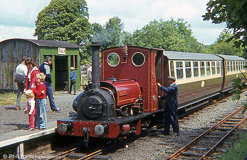 Bala Lake Railway Hunslet 0-4-0ST (779/1902) No. 3  'Holy War' at Bala.
