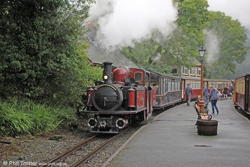 Ffestiniog Railway 0-4-4-0T (FRCo 1992) 'David Lloyd George' calls at Tany Bwlch with the 1135 Blaenau Ffestiniog to Porthmadog on 5th September 2017.