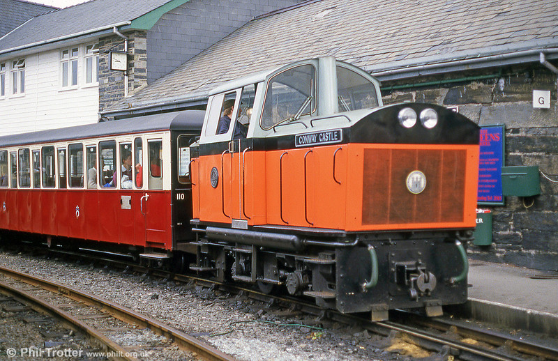 A close up of Ffestiniog Railway 4wDM 'Conwy Castle/Castell Conwy' (Hibberd 3831/1958) at Porthmadog in September 1987.