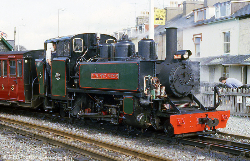 FR ALCO (57156/1916) 2-6-2T 'Mountaineer' at Porthmadog in May 1986. The loco was built by the American Locomotive Co. New Jersey,  for the British Army for use in France during World War One. After the war, the engine was used in reconstruction work in northern France.