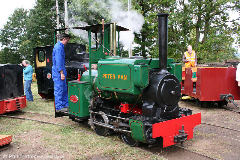 Another look at the neat Kerr, Stuart (4256/1922) 0-4-0ST 'Peter Pan' at the Alan Keef open day on 26th September 2009.