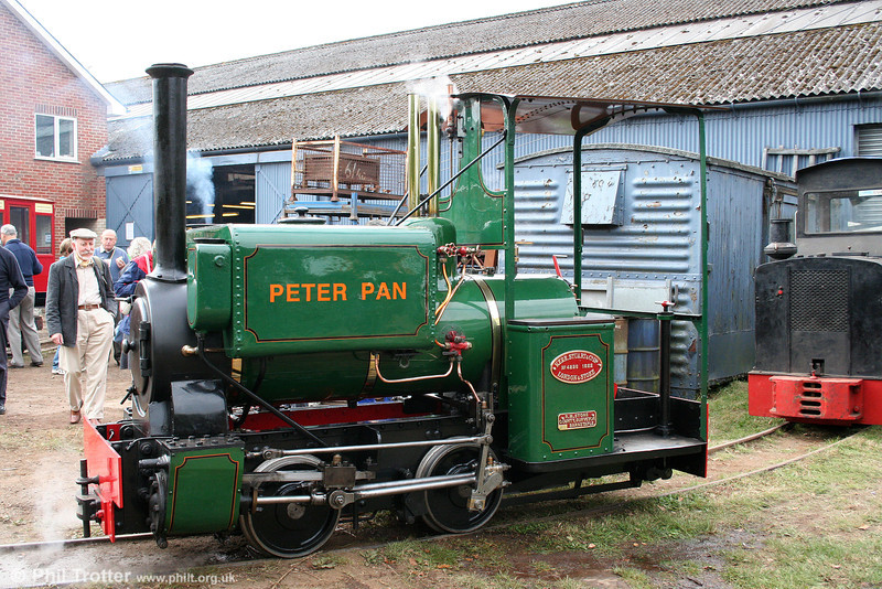 Kerr, Stuart (4256/1922) 0-4-0ST 'Peter Pan' awaits its next turn on the demonstration line at the Alan Keef open day on 26th September 2009.