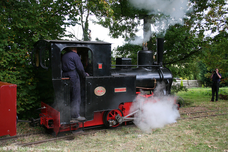Arn Jung (939/1906) 0-4-0WT no. 7 'Justine' in action at the Alan Keef open day on 26th September 2009.