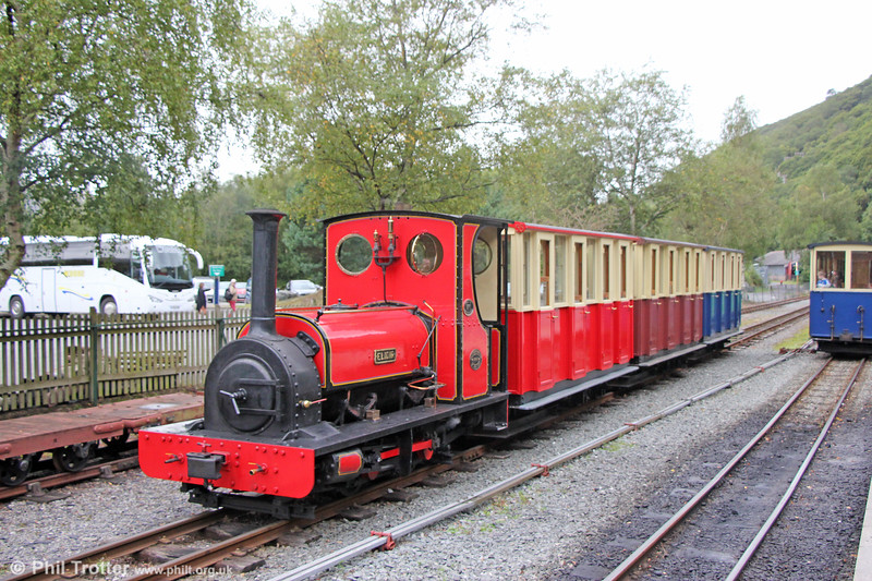 Llanberis Lake Railway Quarry Hunslet 0-4-0ST (493/1889) no. 1 'Elidir' detaching some additional coaches which had been used by a tour operator booking at Gilfach Ddu on 6th September 2017.