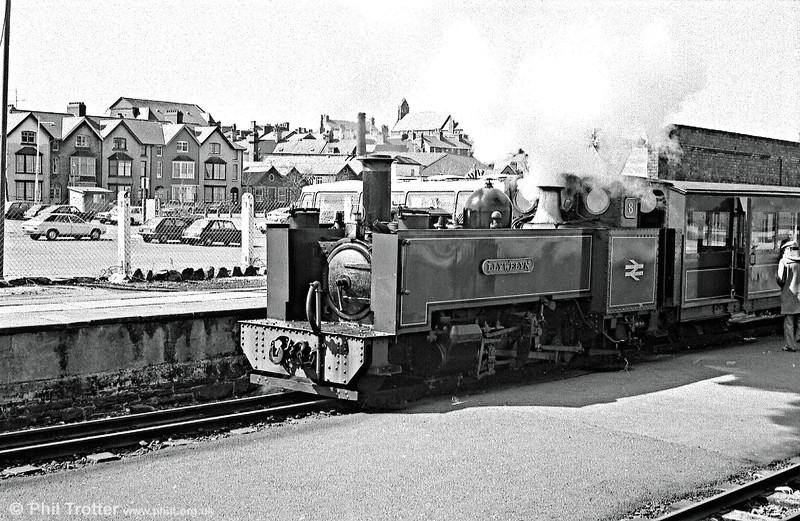 VoR no. 8 'Llywelyn' prepares to leave the former Carmarthen platform at Aberystwyth.