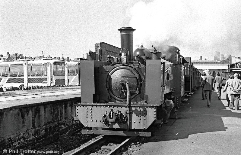 A second view of VoR no. 8 'Llywelyn' preparing to leave the former Carmarthen platform at Aberystwyth. Bizarrely, the lamp is the wrong way round!