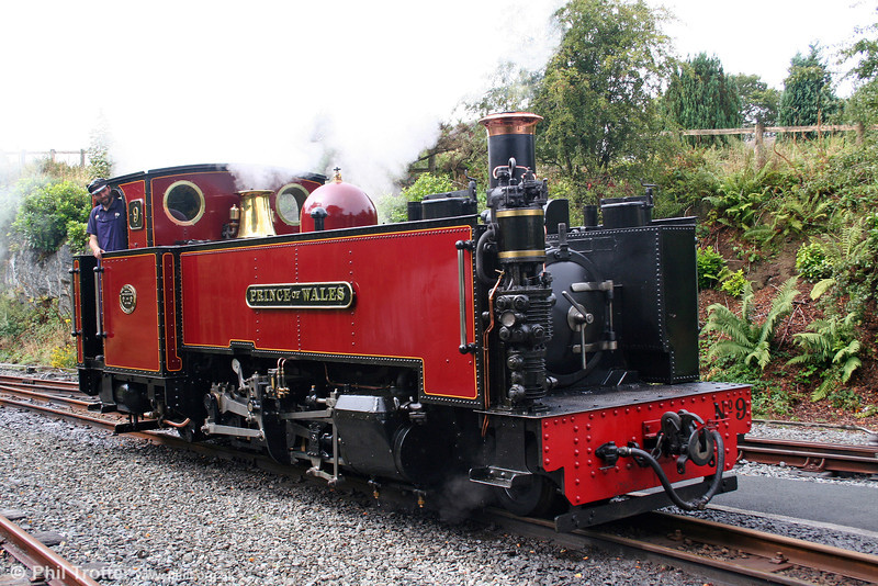 Vale of Rheidol 2-6-2T no.9 'Prince of Wales' runs onto its train at Devil's Bridge on 29th August 2005.