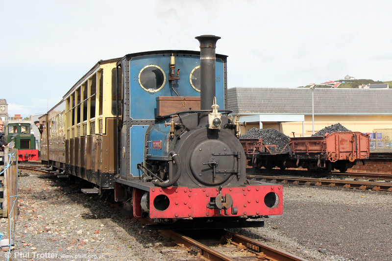 Quarry Hunslet 0-4-0ST (707/1899) 'Britomart' departs from Aberystwyth with the 1140 to Capel Bangor on 16th September 2017.