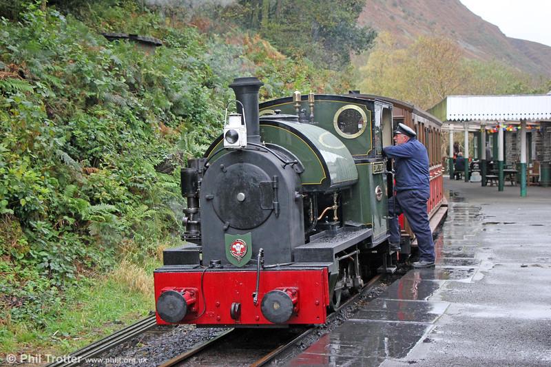 Kerr Stuart (4047/1921) 0-4-2ST no.4 'Edward Thomas' at a very wet Abergynolwyn with the 1400 Tywyn to Nant Gwernol on 10th October 2019.