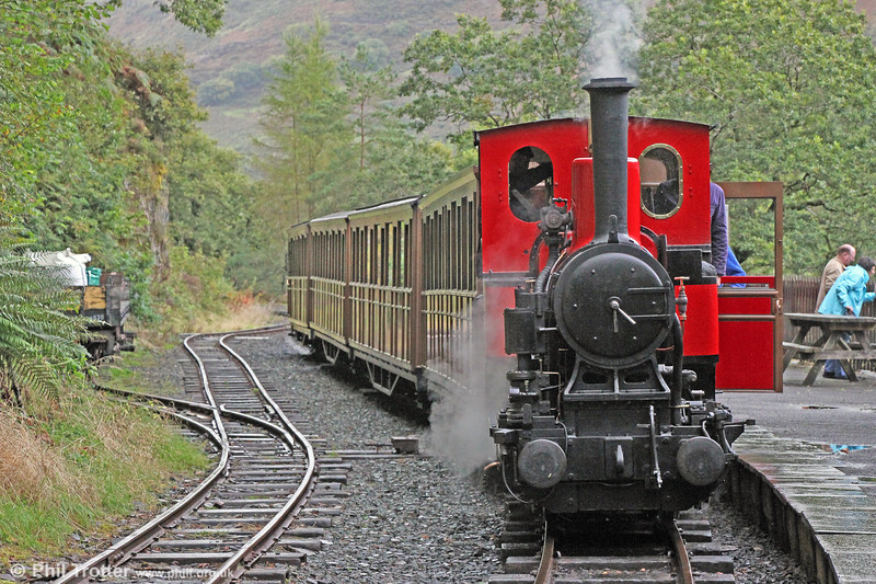 Talyllyn Railway Andrew Barclay (1431/1918) 0-4-0WT no.6 'Douglas' at Nant Gwernol with the 1400 from Tywyn Wharf  on  9th September 2017.