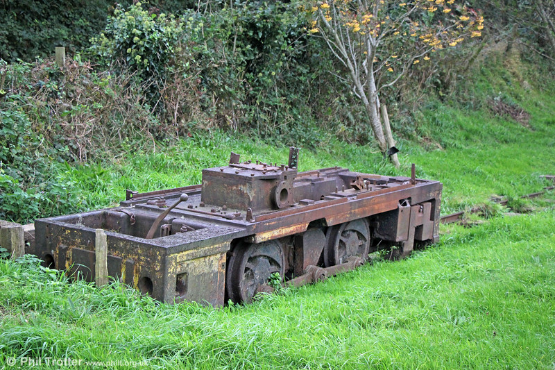 The cannibalised remains of a Hunslet 0-4-0DM 4135/1950 used to restore sister HE 4136/1950 'Alf'. Brynglas, 10th October 2019.