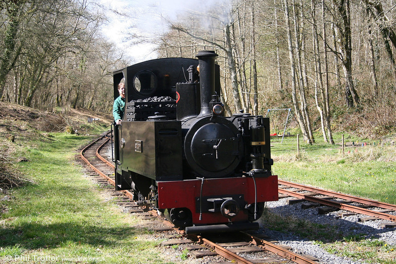 Kerr Stuart 0-6-2T 'Sgt. Murphy' running around its train in the spring sunshine at Henllan, TVR on 5th April 2008.