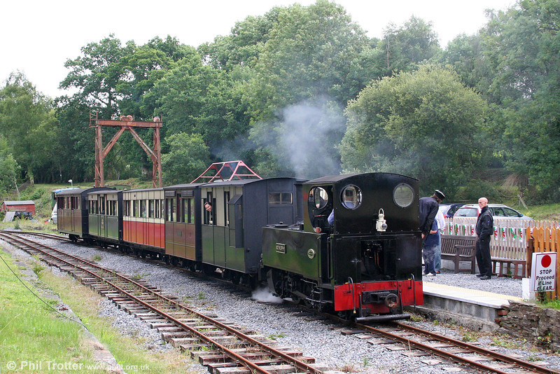 Teifi Valley Kerr Stuart (3117/1918) 0-6-2T 'Sgt. Murphy' departs from the new platform at Henllan with the 1130 train for Llandyfriog on 17th July 2010.