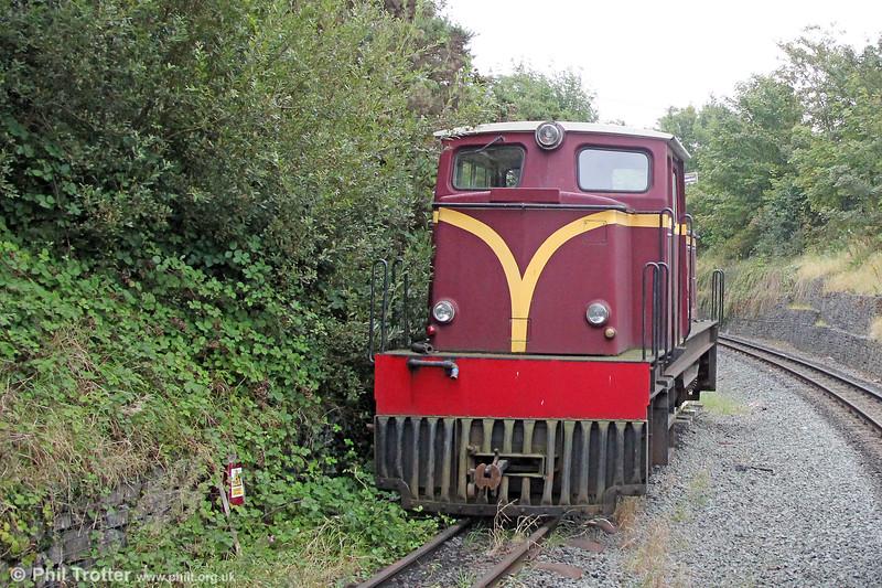 Welsh Highland Railway 'Funkey' 4w-4wDH 'Castell Caernarfon' of 1968, seen at Dinas on 7th September 2017.