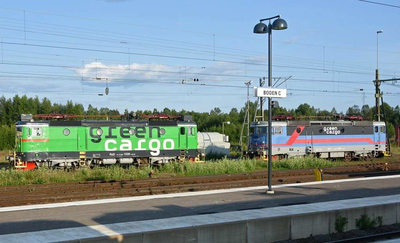Green Cargo Rd2 No 1036 & Rc4 No 1194, Boden Central, Sweden, Fri 24 July 2015 - 1919.