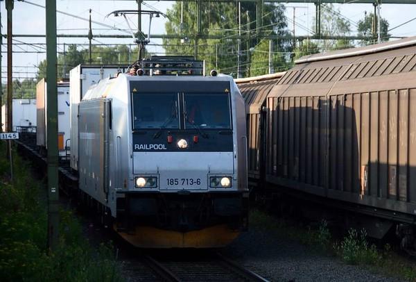 Railpool 185 713-6, Boden, Sweden, Fri 24 July 2015 - 1918.
