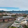 Deler av Narvik sentrum til høyre med kjøpesenteret Amfi og rutebilstasjonen. 2. september 2015.