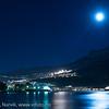 Foto fra båthavna på Ankenestrand mot Narvik og LKABs område. Fotografering sen kveld med fullmåne som hovedlyskilde, 16. januar 2014.