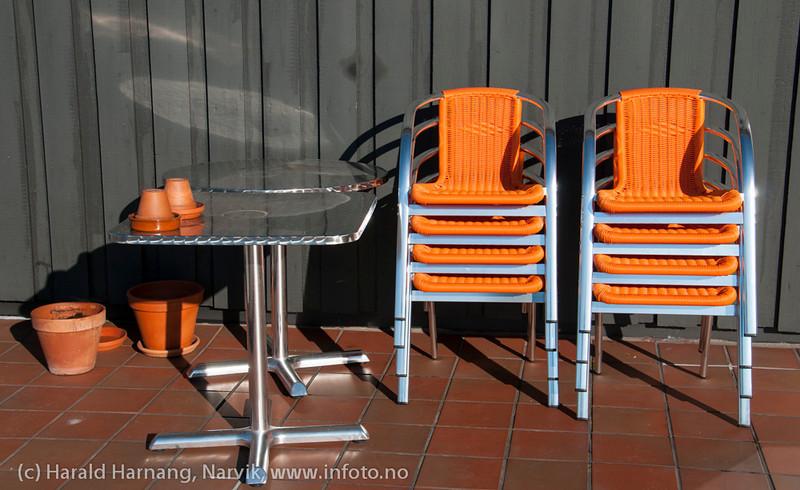 Høsten er på tur, snart skal sommermøblene i kjelleren. Foto fra Breidablikk.
