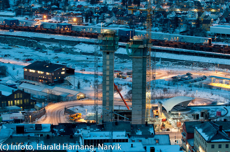20 desember 2010, Narik sentrum. Heissjakter for det nye Rica-hotellet midt på.