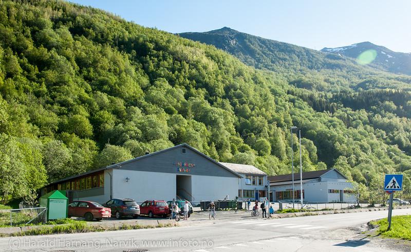 Fagernes offentlige barneskole - inntil høsten 2013. Fra da av Montesori-skole.