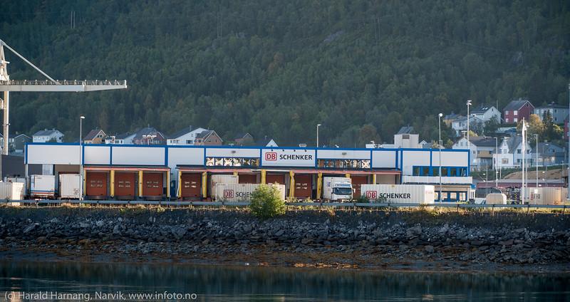 Litt av logistikk/transport-området på Fagernes, fotografert fa Ankenes.