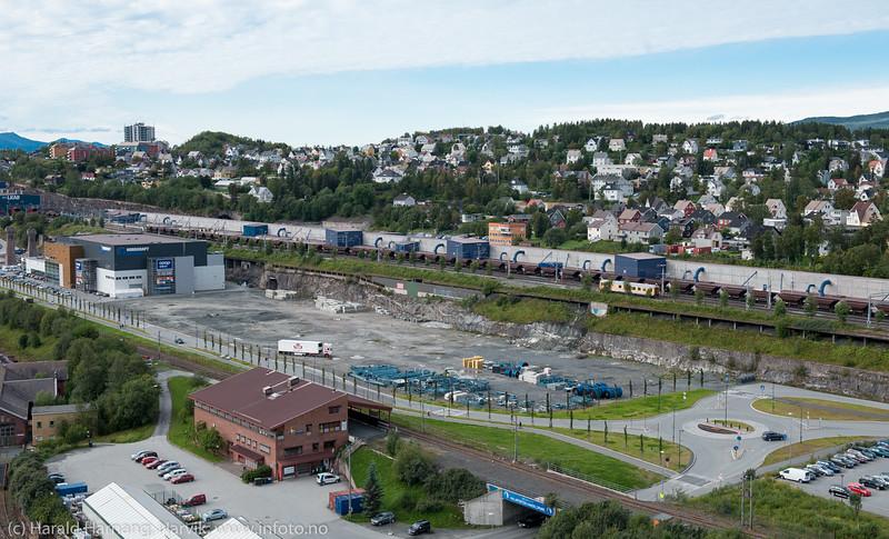 LKABs område i midten. Frydenlund o Framnes bak. I forkant ubebygget område mellom Nordkraft Arena og Amfi.