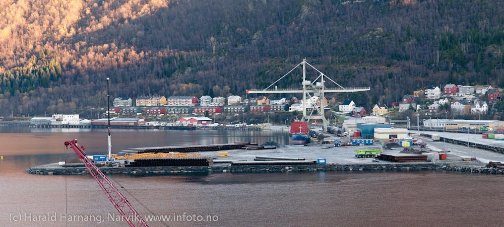 Utfylt område på Fagernes. Her skal Northland Rescoures bygge utskipningsanlegg for skip. 26. oktober 2011. Northland Resourses shipping facilities in Narvik under construction.