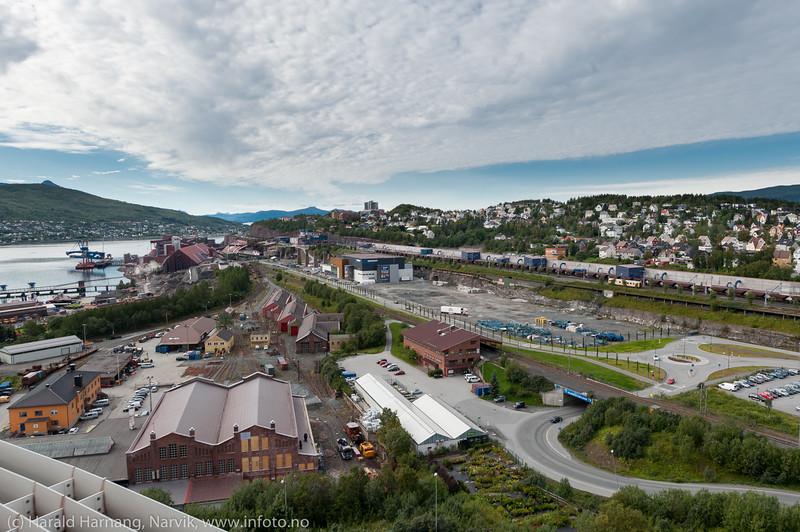 """Hele """"trekant-området"""" i Narvik, med LKABs anlegg. Nordkraft Amfi midt på."""