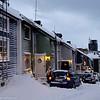 Hagebakken. 3. juledag 2014. Snevær på natta. Mørketid og en julestille by.